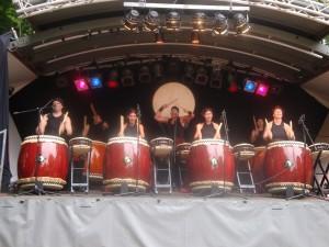Wadokyo und ihr Taiko-Trommeln